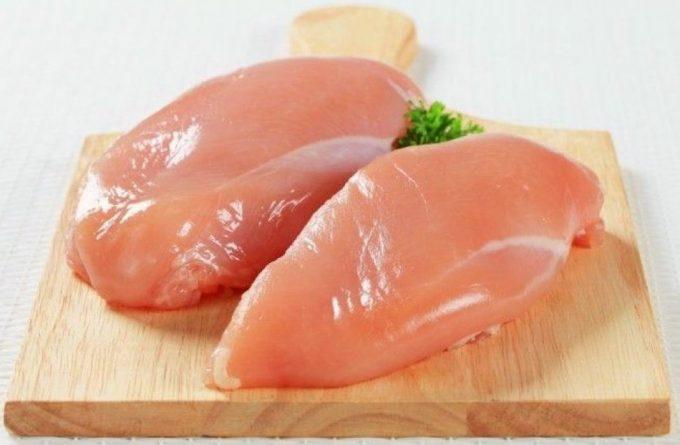 Pechugas de pollo con textura dura y gomosa