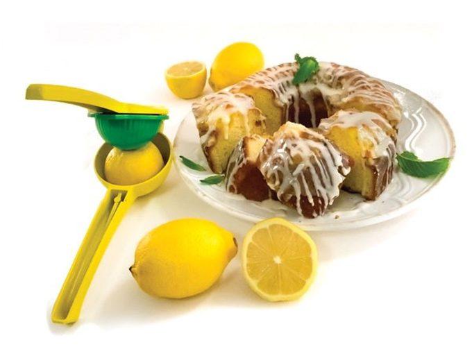 Exprimidor manual tipo prensa para limas y limones