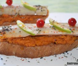 Tosta de anguila ahumada y calabaza asada