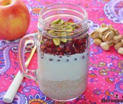 Gachas de avena con yogur y fruta