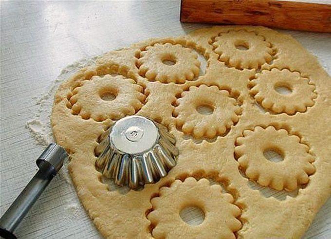 Cinco utensilios de cocina comunes para decorar galletas