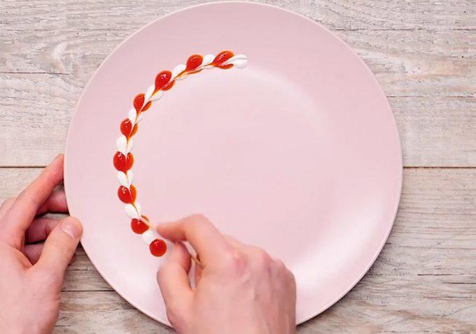 Nuevas ideas para servir salsas decorativas en los platos - Decoracion de platos ...
