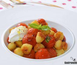 Receta de gnocchi con ricota, tomate y albahaca