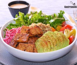 Receta de quinoa y tempeh