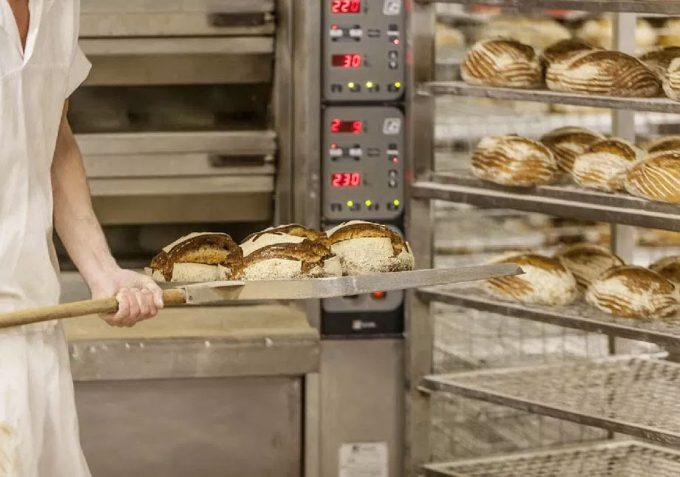 Pan elaborado con pan duro