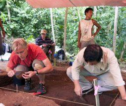 Excavación arqueológica en una de las islas de Banda