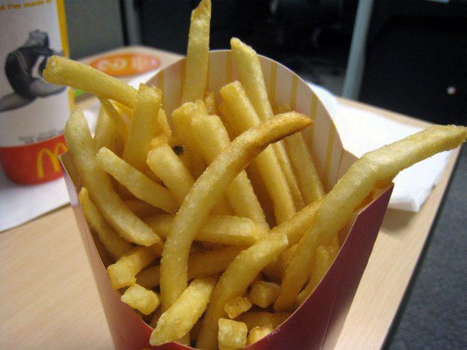 Patatas fritas, alimento muy calórico asociado a problemas como la obesidad