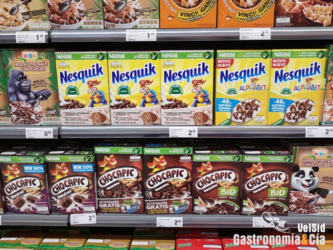 Alimentos con exceso de grasas, azúcares y al