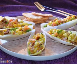 Salmón, aguacate, mango y manzana