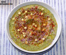 Hummus de garbanzos y kale