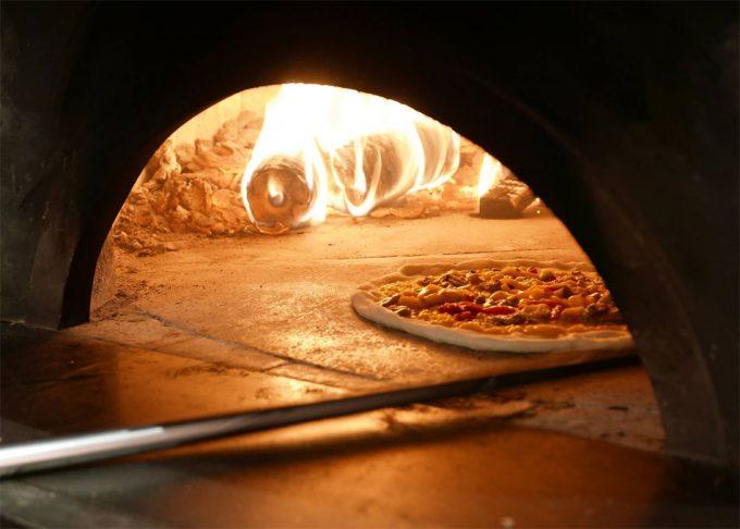 Horno de leña para pizzas