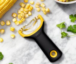 Desgranar mazorcas de maíz
