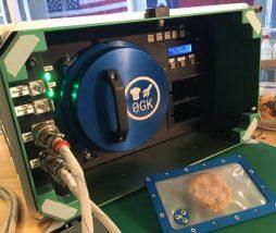 Prototipo de horno para cocciones en el espacio