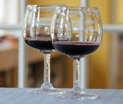 Supuestos beneficios del vino tinto para la salud intestinal