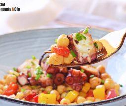 Una ensalada templada de legumbres súper nutritiva y deliciosa