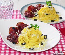 Receta de pasta con ricota salada, cecina y shiitake