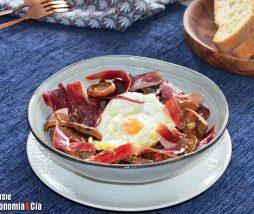 Receta de robellones con huevos fritos y jamón de bellota